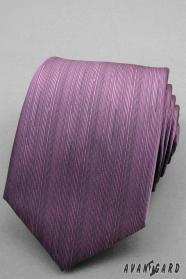 Jemná šrafovaná fialová kravata