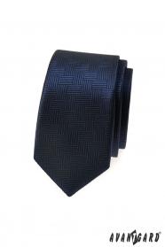 Tmavomodrá slim kravata s čiarkovanou štruktúrou