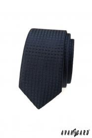 Tmavo modrá slim kravata s kockovaným 3D vzorom