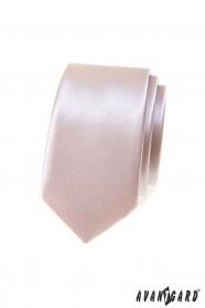 Lesklá úzka kravata púdrové farby