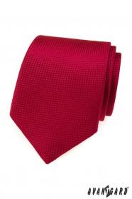 Červená kravata s prešívaným vzorom