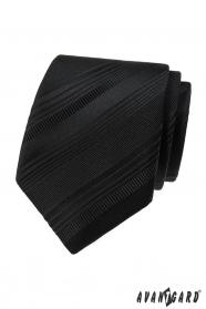 Čierna kravata s rôznymi pruhmi