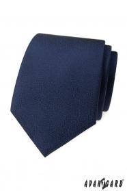 Tmavo modrá kravata so štruktúrovaným povrchom
