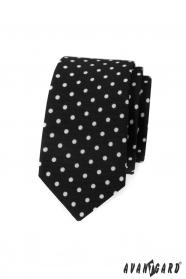 Čierna slim kravata s bielymi bodkami