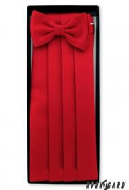 Červený smokingový pás s motýlikem a vreckovkou