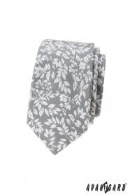 Svetlo šedá kravata s bielymi lístkami