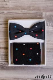 Pánsky motýlik v sete s ponožkami, farebný bodka