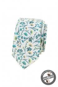 Biela kravata s farebnými lúčnymi kvetmi