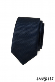 Tmavo modrá slim kravata s pletenou štruktúrou