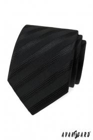 Čierna kravata s širokými pruhmi