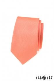 Úzka kravata s matnej lososovej farbe